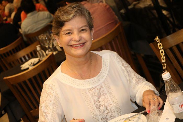 A prefeita de Caçapava, Pétala Lacerda, celebrou com a família, na noite desta quarta-feira (15).