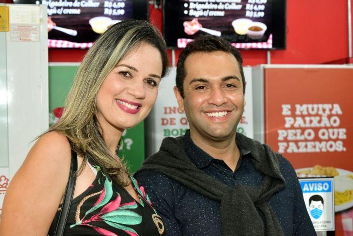 Mylla Lustoza e Leandro Vaz, da Record TV Vale, também foram conferir o evento.