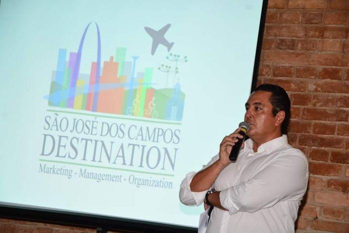 Maurício Guizard, presidente da entidade, durante lançamento em  São José dos Campos. (Foto: Gilberto Freitas)