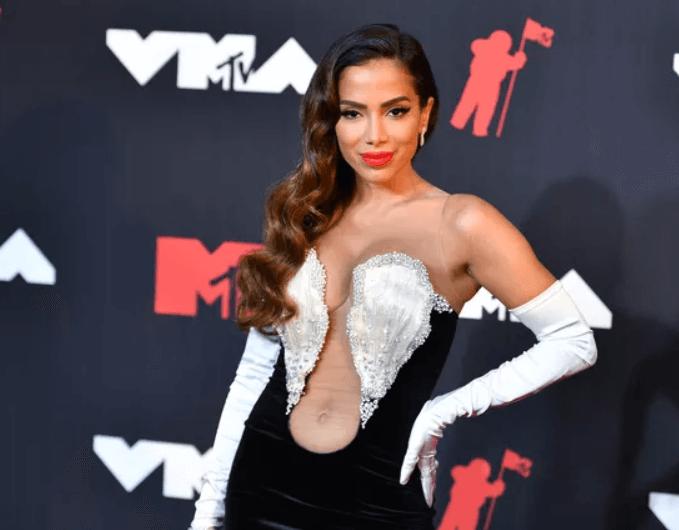A cantora Anitta foi anunciada como um dos números da noite no VMA