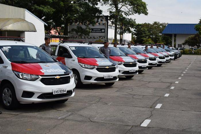 Cerimônia de entrega dos veículos aconteceu às 10h desta quinta-feira