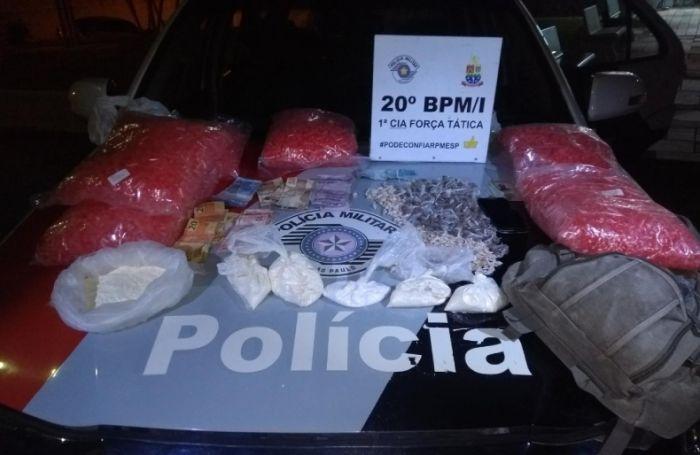 Operação policial realizada pela Força Tática aconteceu nos bairros Topolândia e Olaria