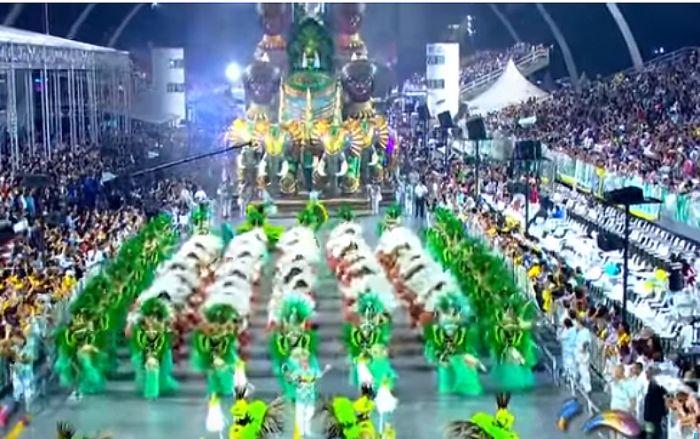Escola do bairro da Pompeia vence pela primeira vez o carnaval paulistano