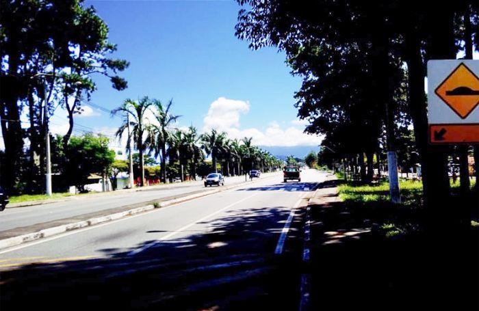 Avenida Nossa Senhora do Bom Sucesso, em Pindamonhangaba