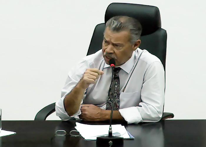 Felipe Cesar presidente da Câmara de Pindamonhangaba