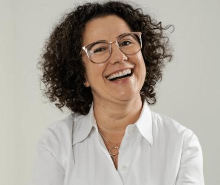 Escritora, consultora, YouTuber e palestrante,Vânia Ferrari.