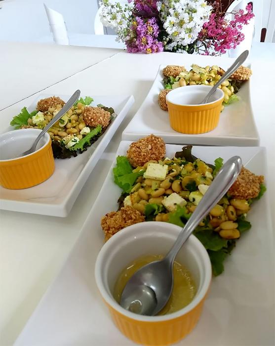 Curso de culinária ensina a produção de pratos simples e variados e noções de panificação e confeitaria
