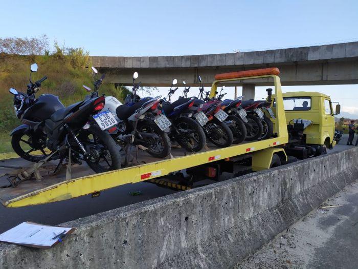 PM apreende 15 motocicletas em Caraguatatuba