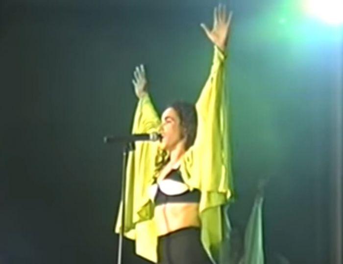 Daniela Mercury faz seu primeiro show solo em Salvador no ano de 1991.