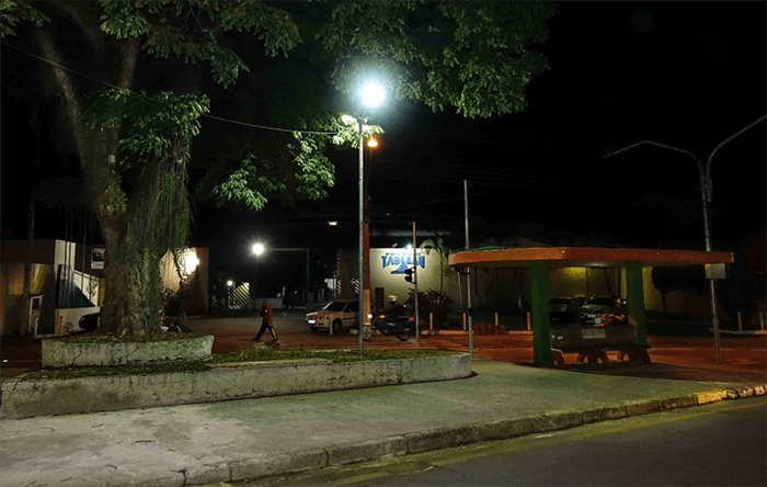 A revitalização no sistema de iluminação visa transformar a cidade em um espaço mais seguro e agradável