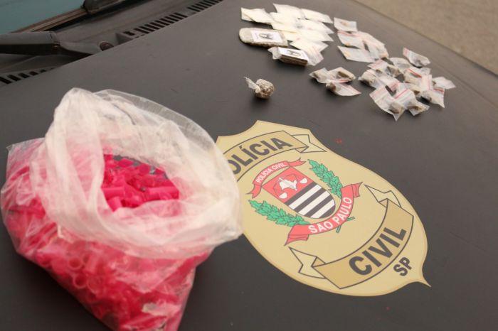Megaoperação da Polícia civil de Caçapava cumpre 12 mandados; drogas são apreendidas.