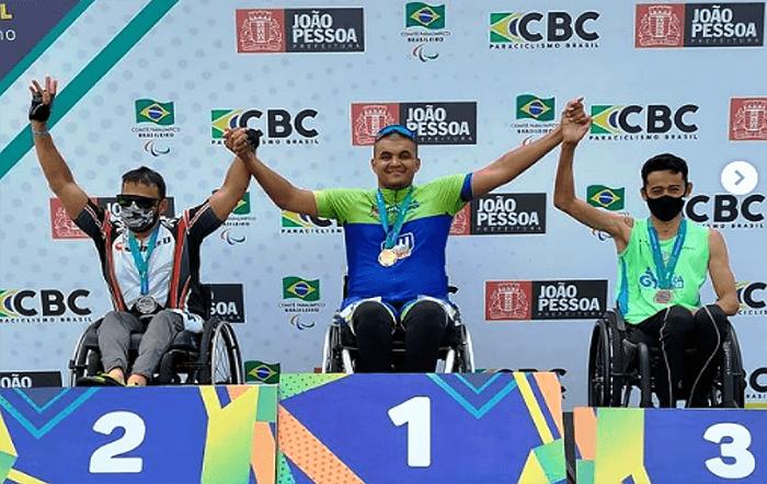 Atletas paradesportivos de São José dos Campos conquistam medalhas no ciclismo e natação