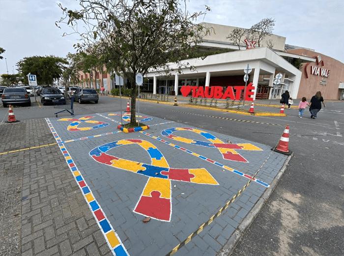 Em Taubaté, Via Vale Garden Shopping inaugura vagas de estacionamento exclusivas para pessoas com autismo