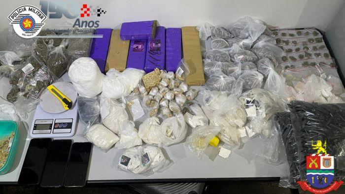 Dois são presos com mais de 10 kg de drogas em Jacareí
