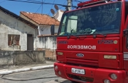 Residência em chamas em Caçapava