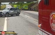 Acidente na Tamoios envolve três veículos e quatro vítimas