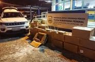 PRF intercepta contrabando de eletrônicos em Lavrinhas