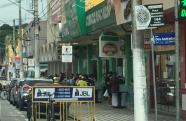 Comerciante faz distribuição de marmitex em Pindamonhangaba