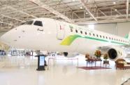 Funcionários voltam ao trabalho na Embraer após empresa separar setor de aviação comercial