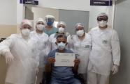 Hospital de Campanha de Pindmonhangaba dá alta para o primeiro paciente curado de Covid-19
