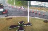Obras no asfalto da rotatória do João do Pulo causam desvio no trânsito, em Pindamonhangaba
